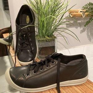 KEEN Black Sneakers Loreilai for women Size 9